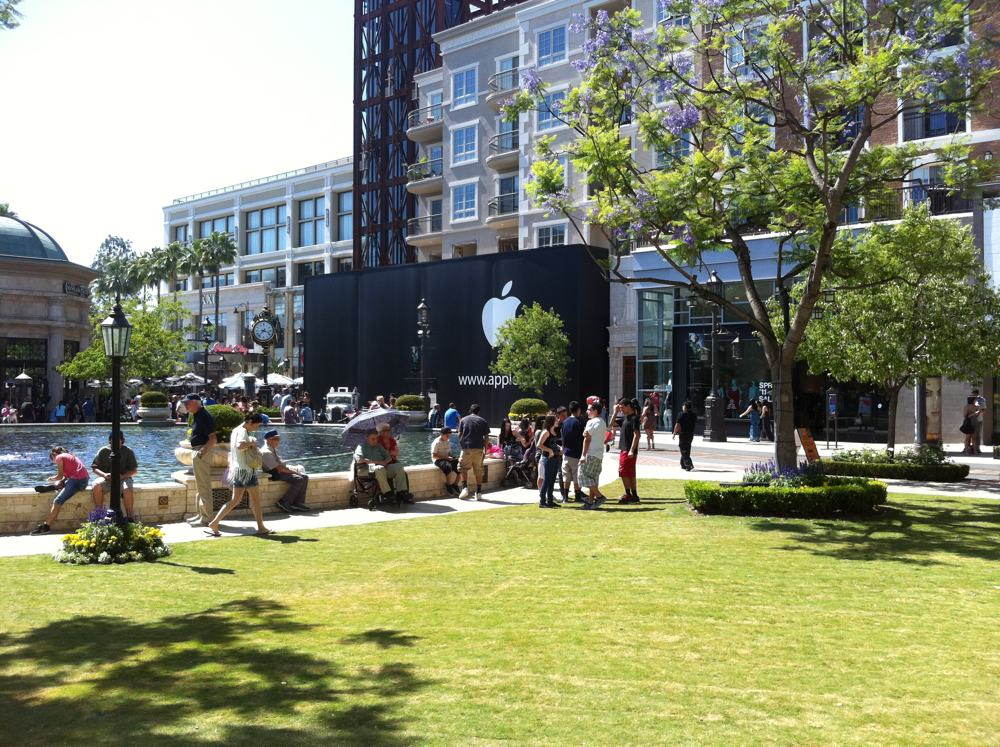 Apple to open new store 500 39 from glendale galleria for The glendale