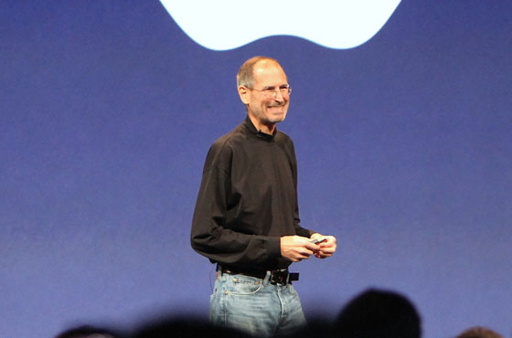 Sestřih vtipných poznámek Steva Jobse za 23 let (Video)