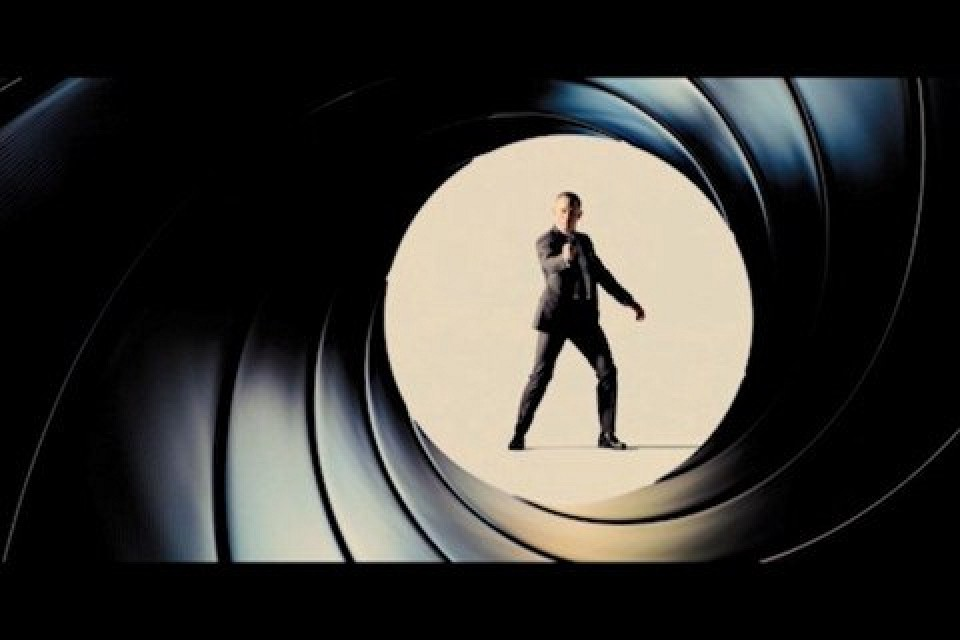 app brings iconic james bond 39 gun barrel 39 to your iphone