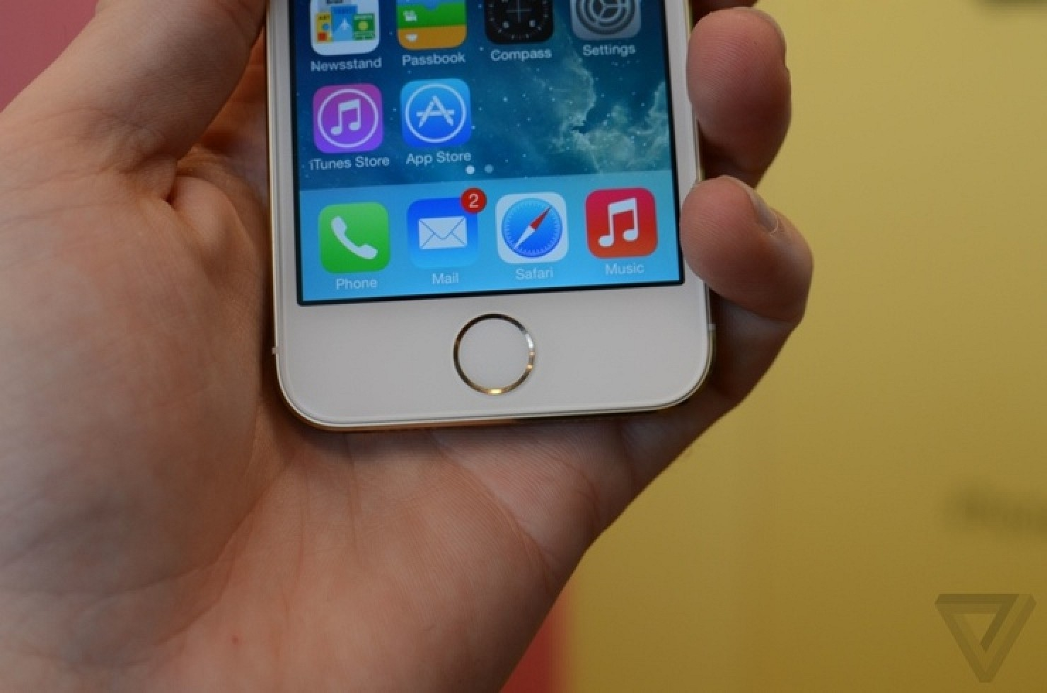 Hands-On Impressions of the iPhone 5s, iPhone 5c, and ...