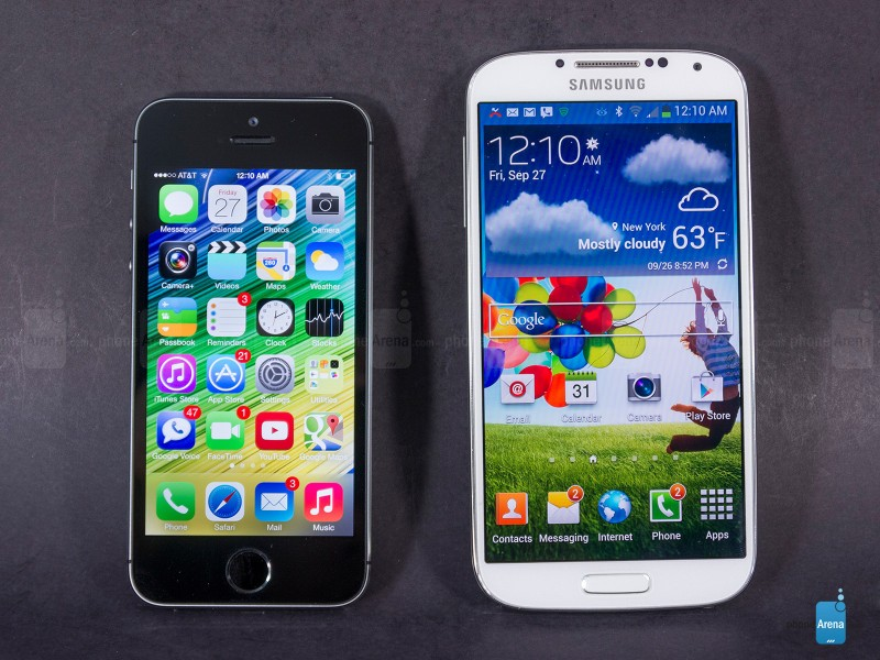iphone5s_vs_galaxys4