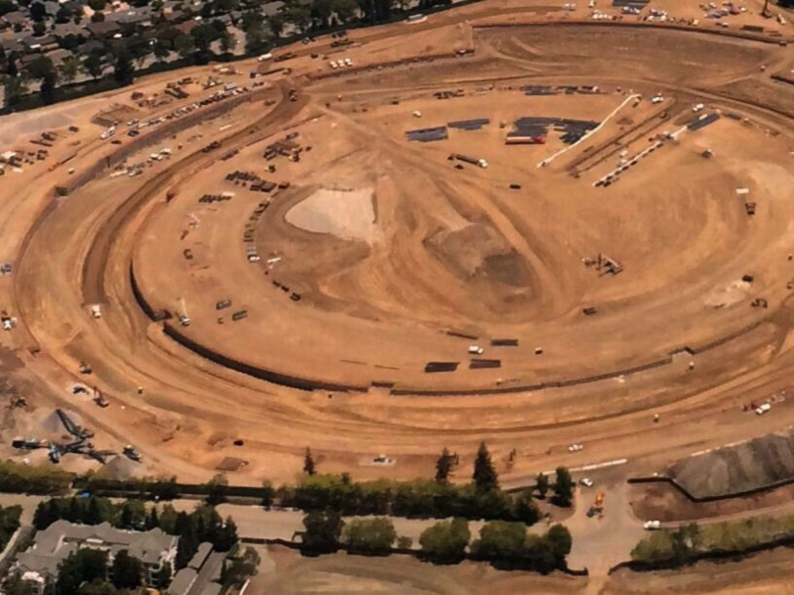 Progress on Apple Campus 2 Continues as Walls Go Up