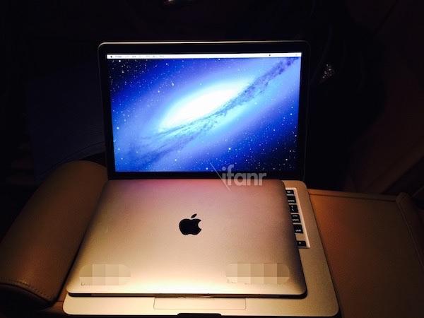 "První Fotografie 12"" MacBooku Air!"