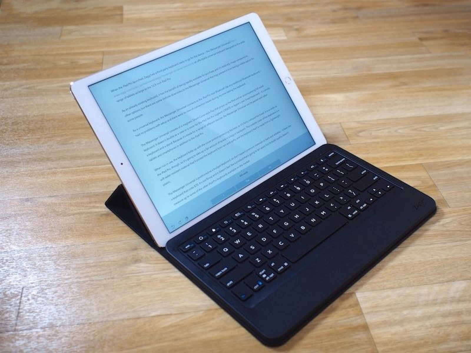 Zagg Review The Messenger Universal Keyboard For Ipad Pro