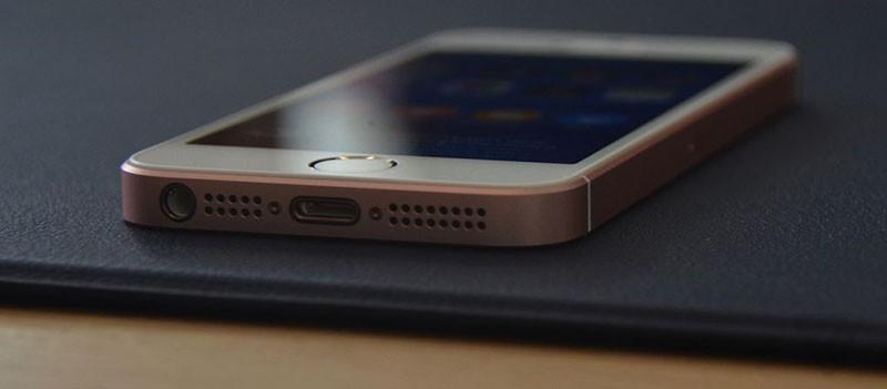 """První prohlídky iPhonu SE a 9,7"""" iPadu Pro (Videa)"""