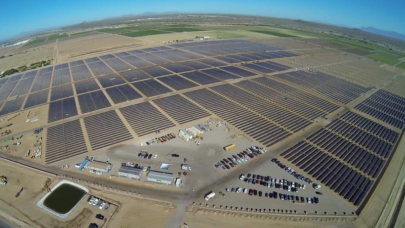 Apple se zavázal využívat obnovitelnou energii ze 100 procent