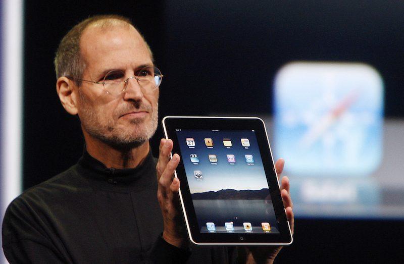 Před sedmi lety představil Steve Jobs první iPad (Video)