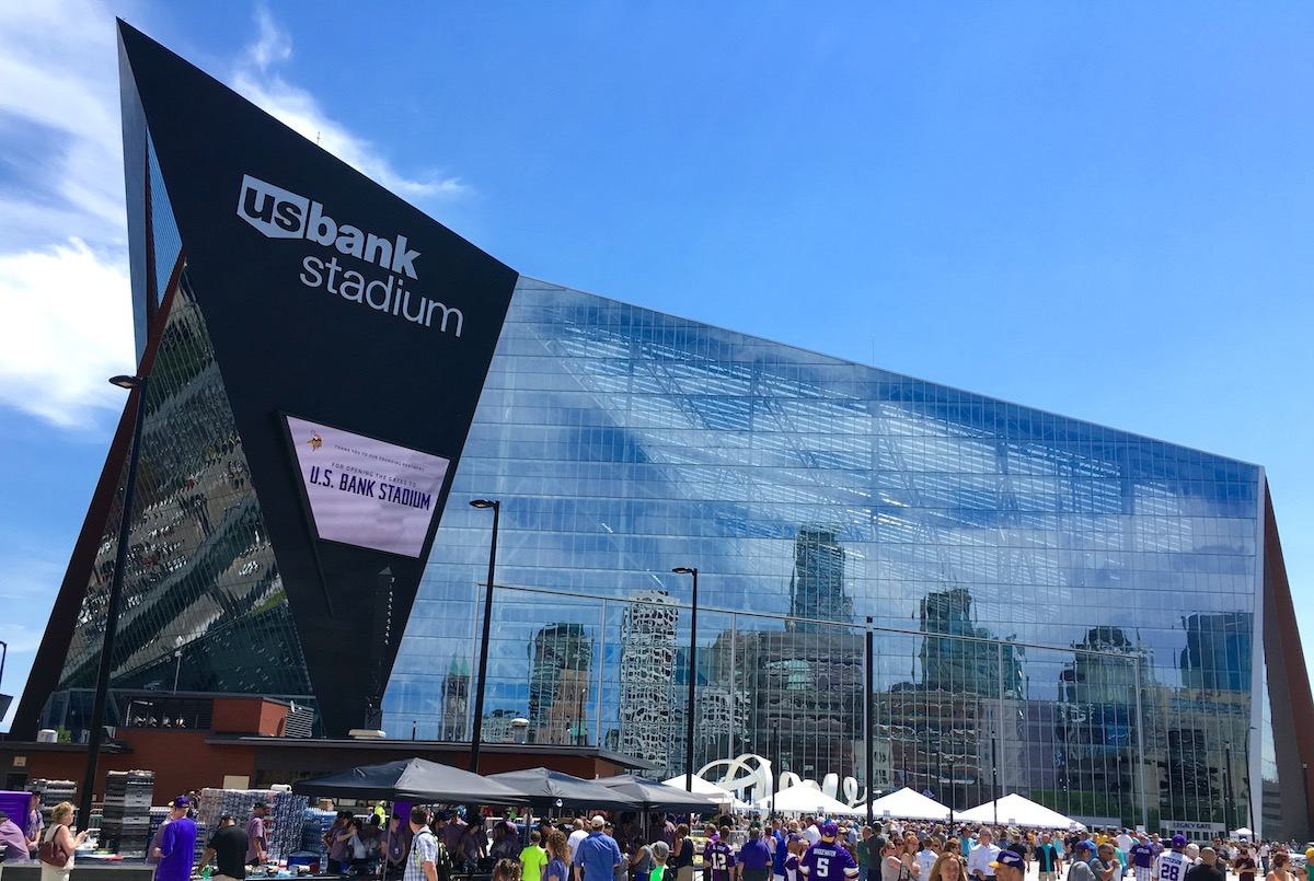 at t verizon and t mobile tout boosted cellular capacity across twin cities in anticipation of super bowl lii