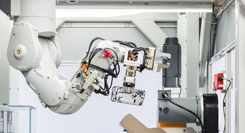 apple debuts new iphone recycling robot daisy and giveback trade in program