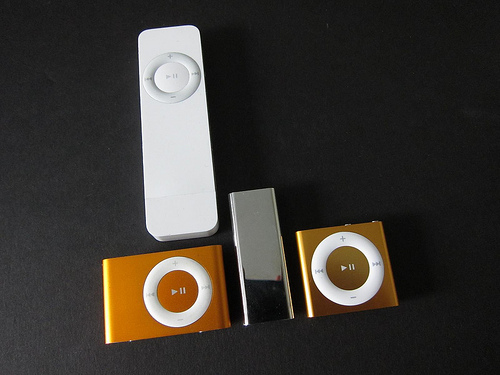fourth generation ipod shuffle unboxing and comparison. Black Bedroom Furniture Sets. Home Design Ideas