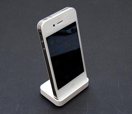 Основатель Apple подтвердил скорый выход белого iPhone 4.
