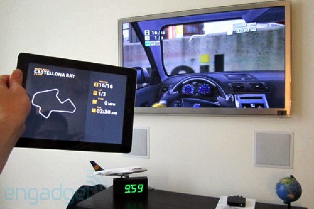 dual screen airplay gaming demo with real racing 2 hd macrumors. Black Bedroom Furniture Sets. Home Design Ideas