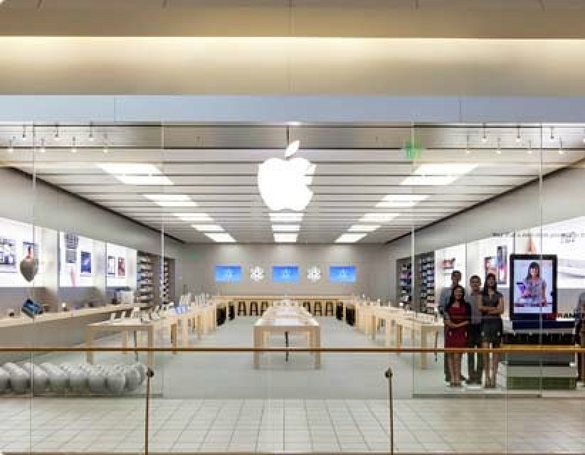 Black Friday Car Deals >> $16,000 Worth of iPhones Stolen from Charlotte Apple Store in Apparent Inside Job - MacRumors
