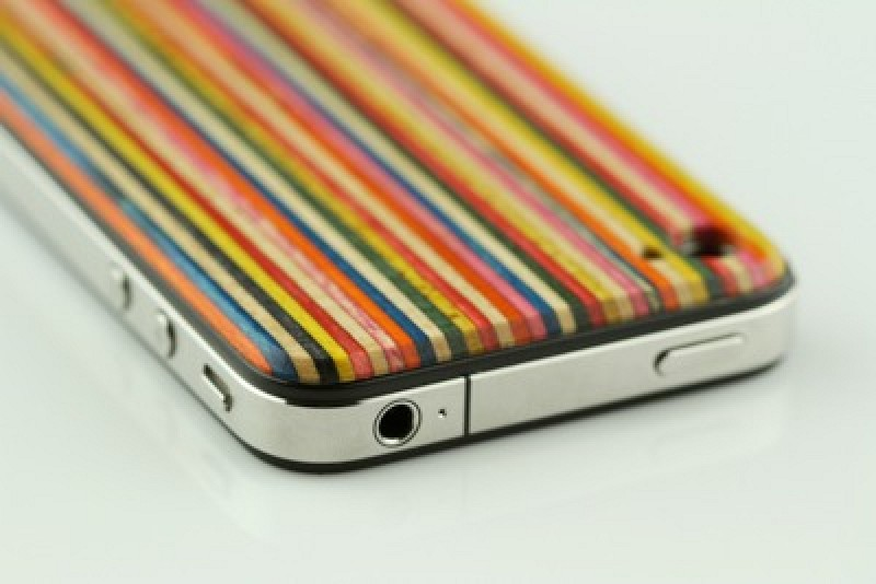 detailed look 6011f f4cac Grove Introduces iPhone Case Made from Recycled Skateboard Materials ...