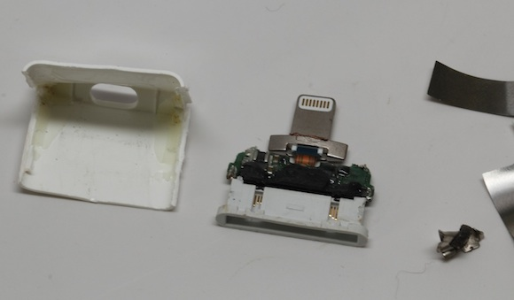 Apple's Lightning to 30-Pin Adapter Torn Apart, Reveals Several ...