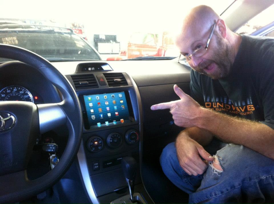 Ipad mini already installed in car dashboard mac rumors for Astra h tablet install