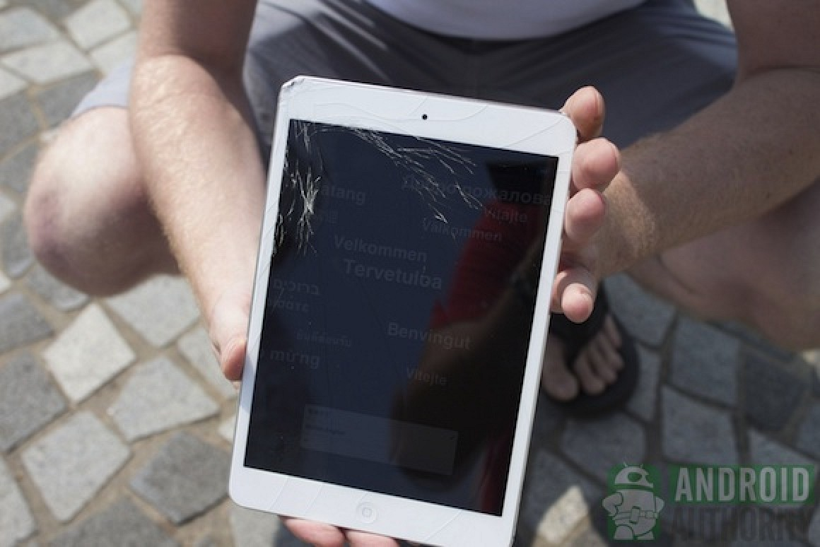 iPad Mini Survives Dunk Test, Cracks in Drop Tests but Still