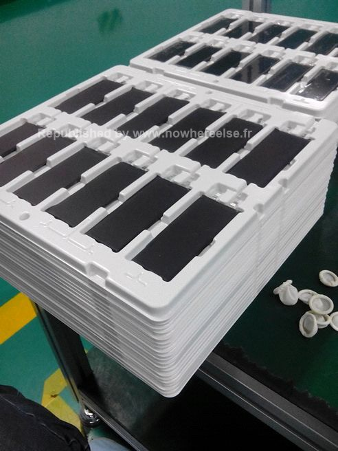 iphone_5s_batteries_tray