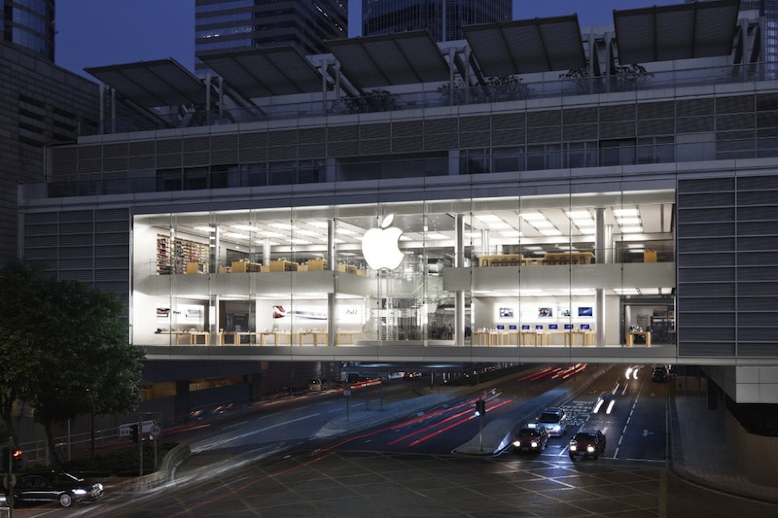 Information about products not manufactured by Apple, or independent websites not controlled or tested by Apple, is provided without recommendation or endorsement.