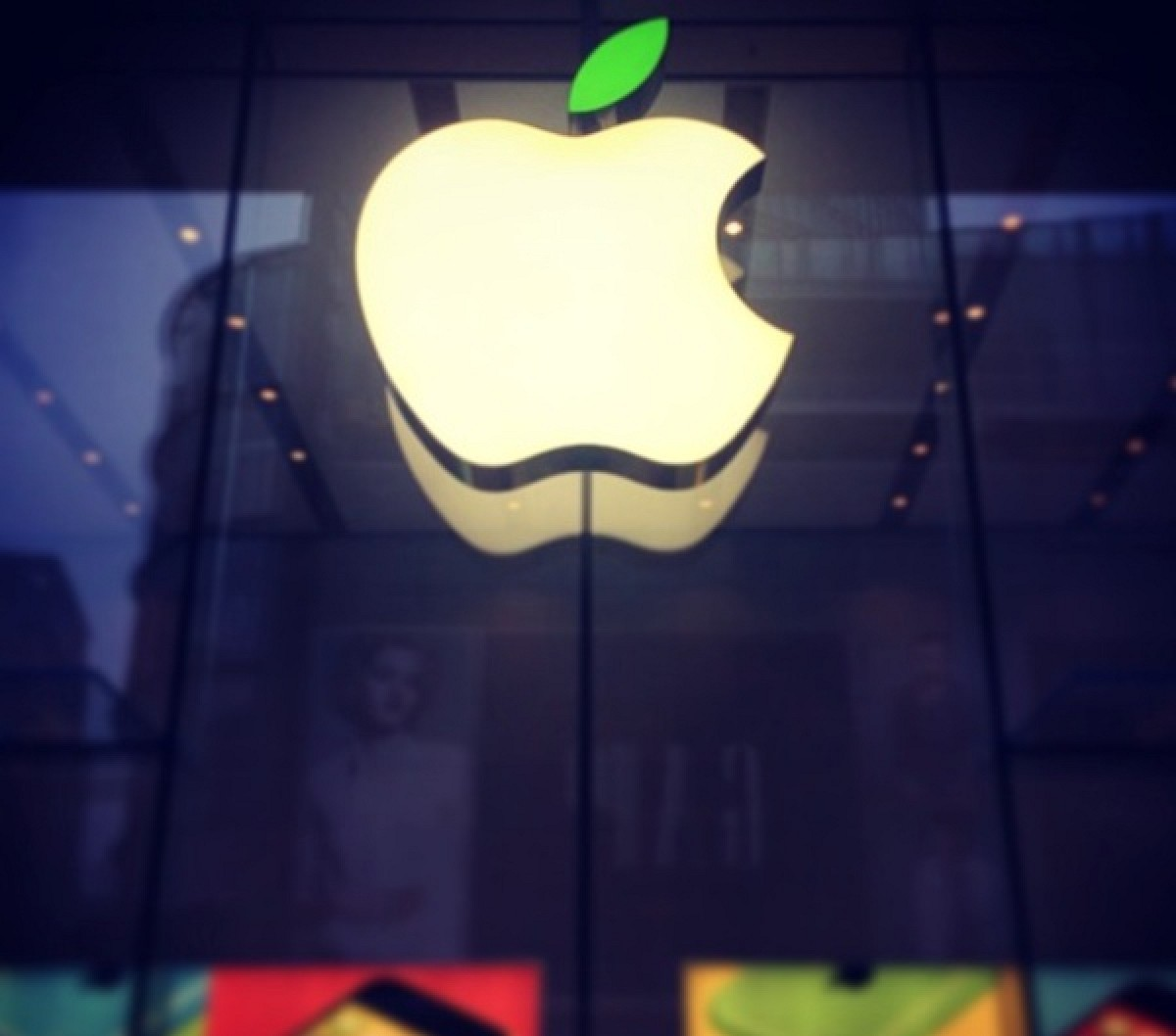 apple retail store logos gain green leaves in honor of earth day