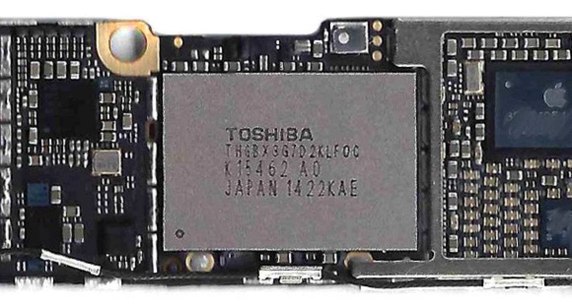 4 7 Inch Iphone 6 Logic Board Shown With 16 Gb Flash
