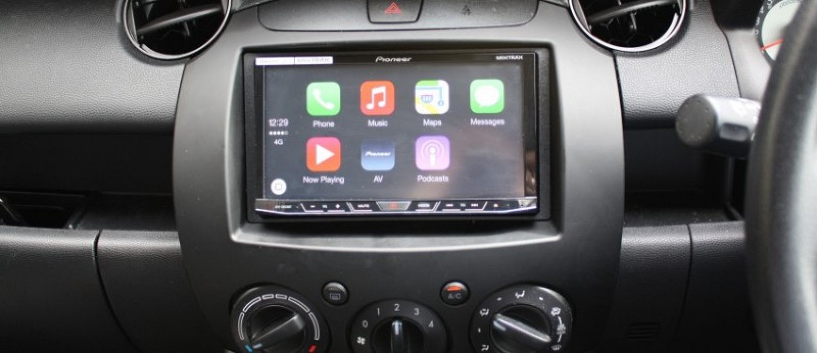 Early Apple Carplay Reviews Cite Ease Of Use Excellent