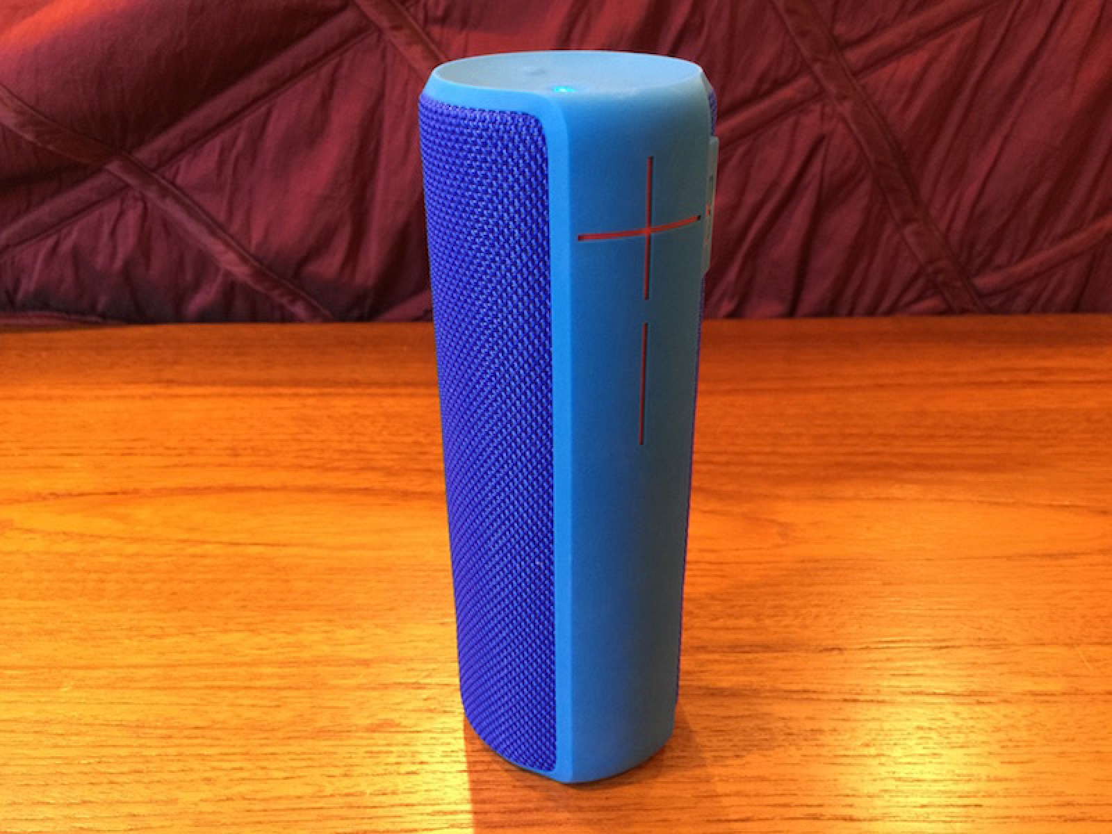 ue boom  review ultimate ears rugged bluetooth speaker   nice upgrade mac rumors