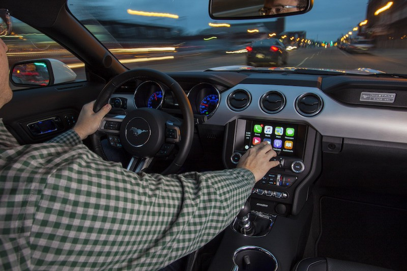 Toyota and Ford Create Automaker Group to Promote Open Source Smartphone Interfaces - Mac Rumors & Toyota and Ford Create Automaker Group to Promote Open Source ... markmcfarlin.com