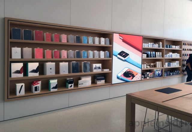 Next Generation Apple Store Opens In Memphis