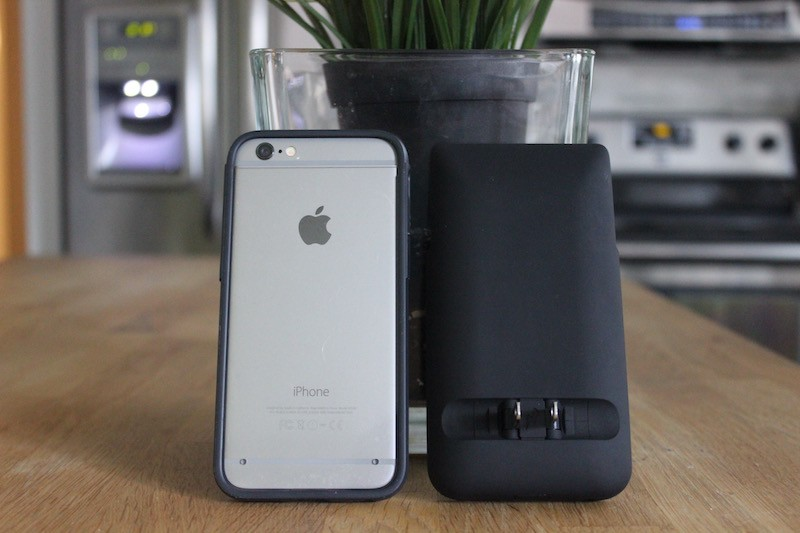 buy online 7838e 0b229 Review: Prong PWR Case Adds a Folding Plug to Your iPhone 6/6s ...