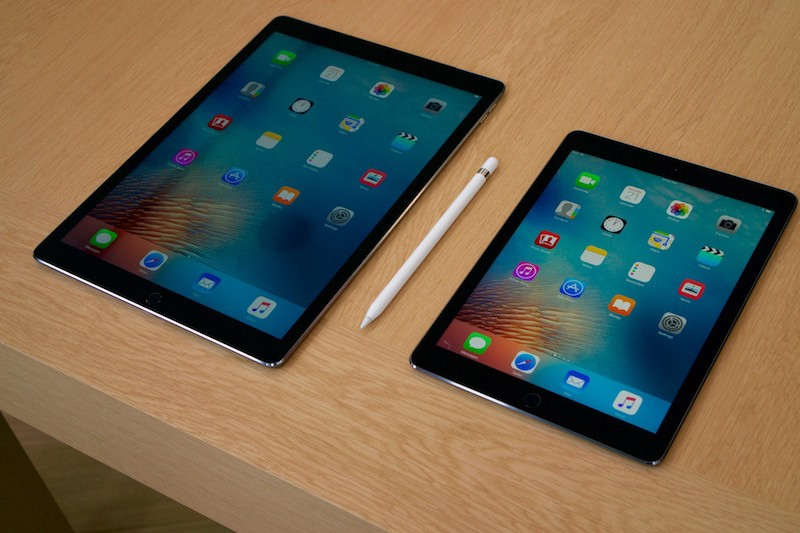 review roundup 9 7 ipad pro is a 39 powerful 39 laptop. Black Bedroom Furniture Sets. Home Design Ideas