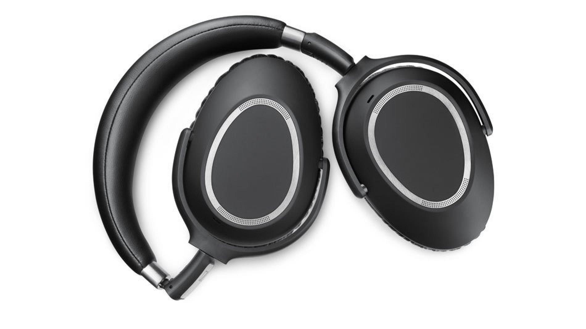 Review: Sennheiser's PXC 550 Wireless Headphones Should Put Bose on