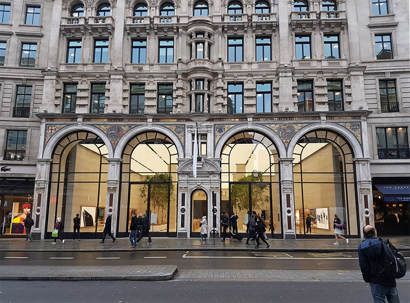 Apple Previews Redesigned Flagship Regent Street Store in