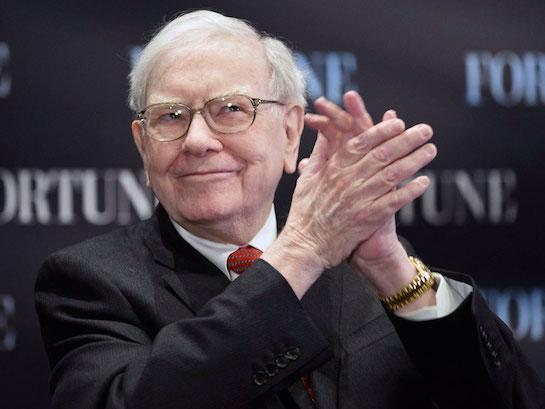 Warren Buffett nakupoval Apple akcie ve velkém a dobře udělal