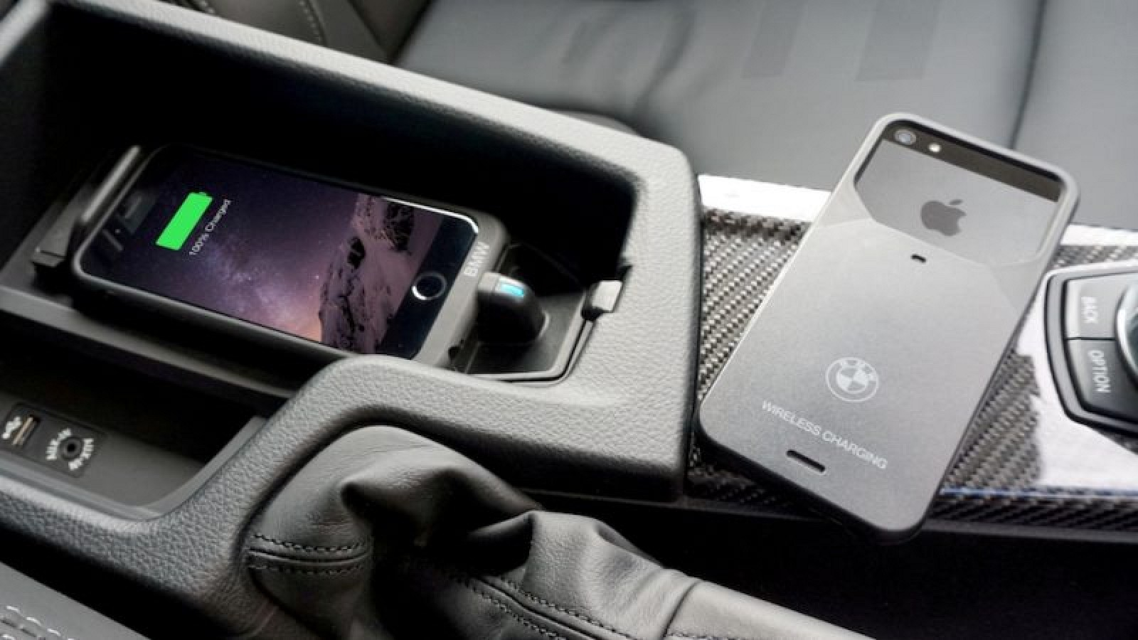 aircharge announces wireless iphone charging case for bmw. Black Bedroom Furniture Sets. Home Design Ideas
