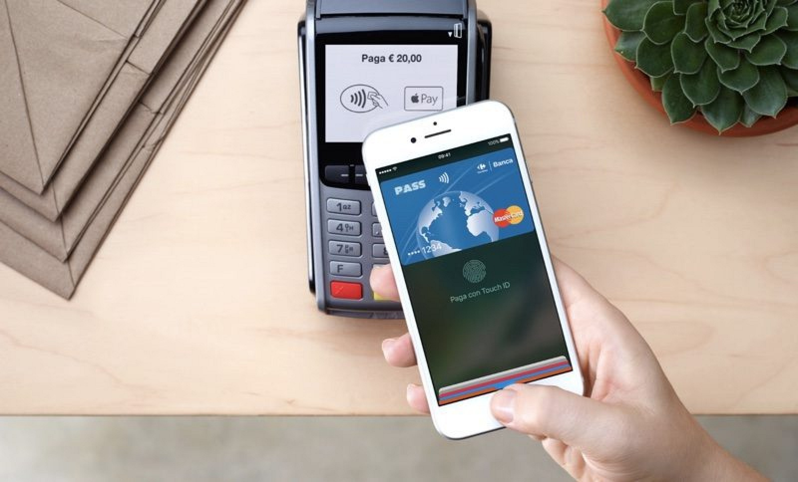 photo image Apple Pay Officially Launches in Italy