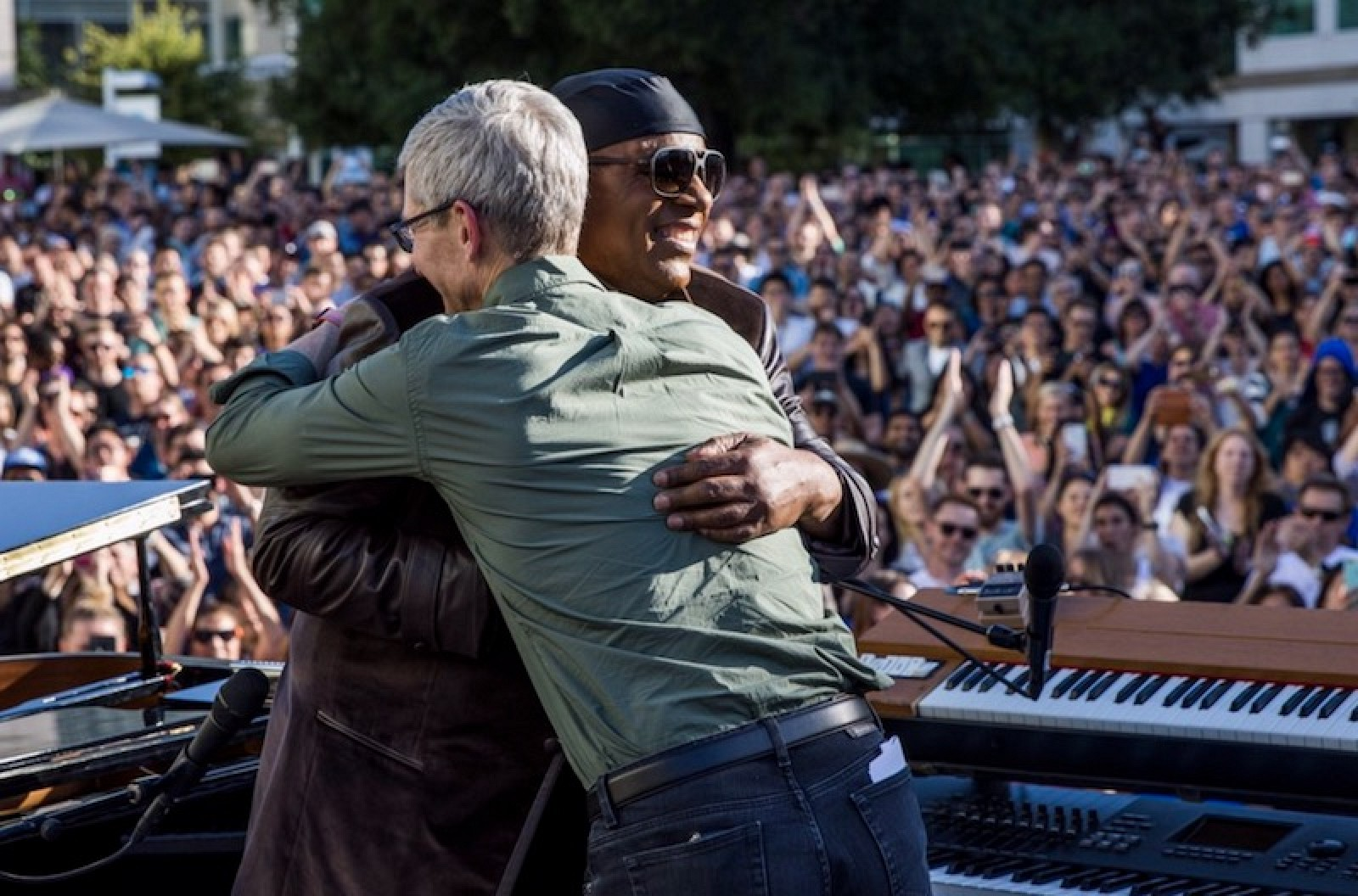 photo image Apple Celebrates Global Accessibility Awareness Day With Stevie Wonder Concert