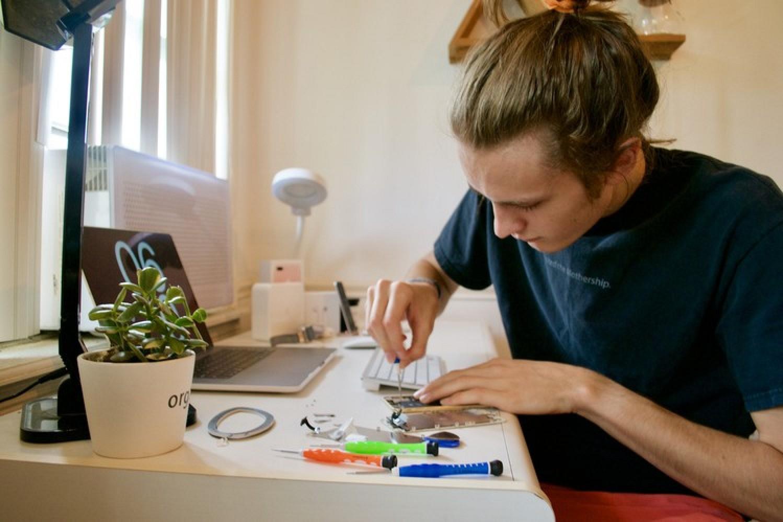 Entrepreneurial Teenagers Earning Upwards Of $20K Over