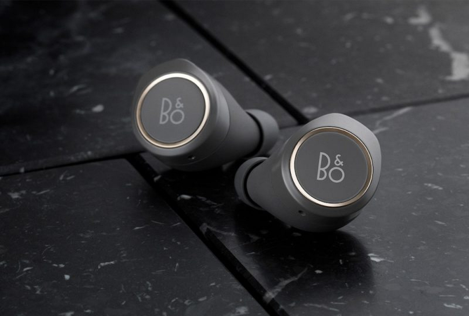 b o play unveils beoplay e8 the danish brand 39 s first truly wireless earbuds macrumors. Black Bedroom Furniture Sets. Home Design Ideas