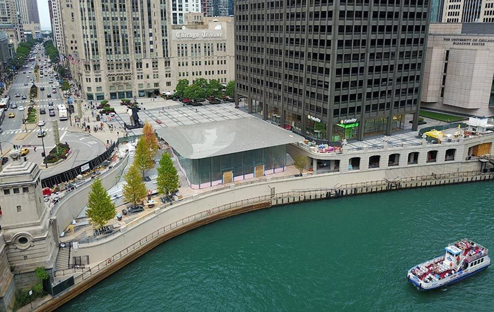 Apples Beautiful Chicago River Store Opens October Updated - New apple store in chicago will have a giant macbook as its roof
