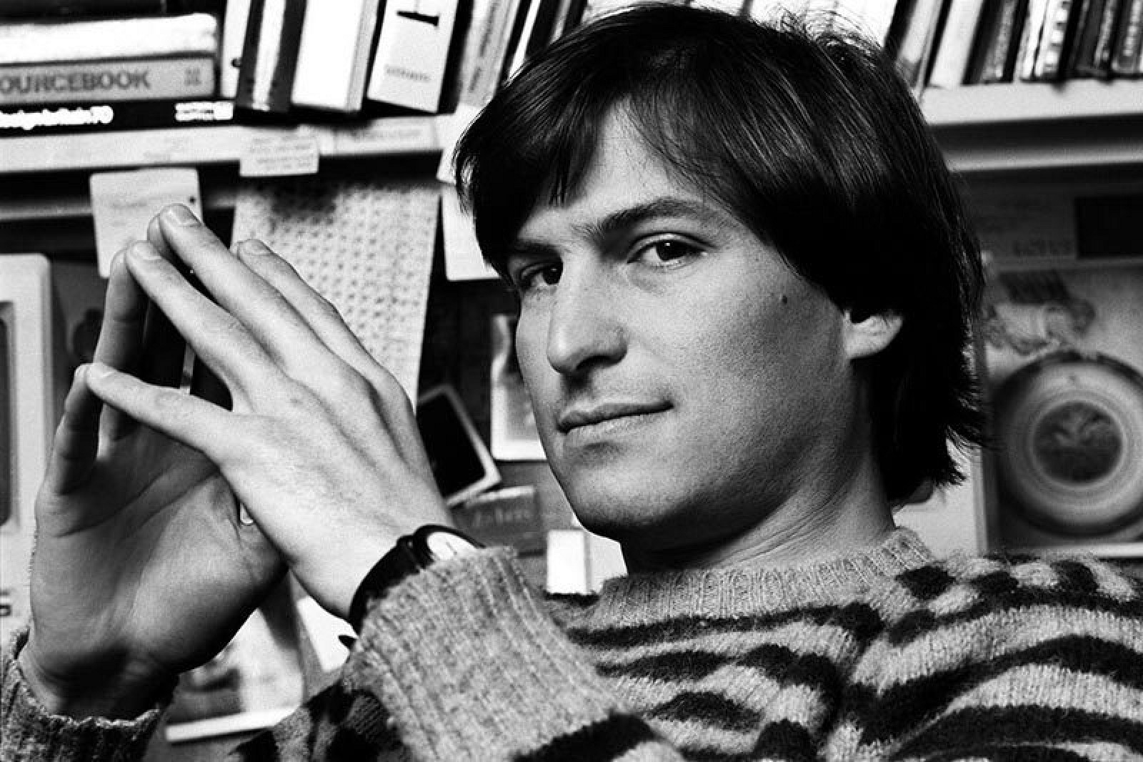 Tim Cook Shares Tribute to Steve Jobs on Sixth Anniversary ...