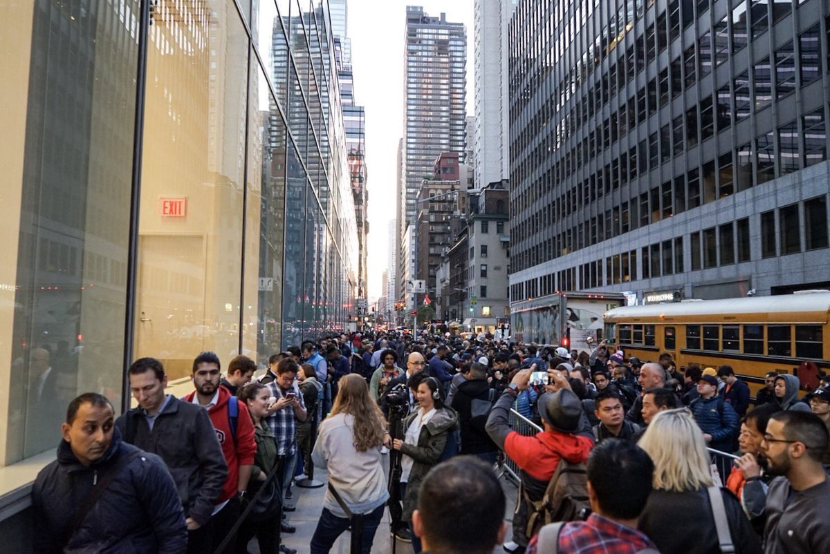 9e04ea8090 Initial demand for the smartphone appears to be strong, with long lines  forming outside Apple Stores around Europe, Asia, and Australasia,  following advice ...
