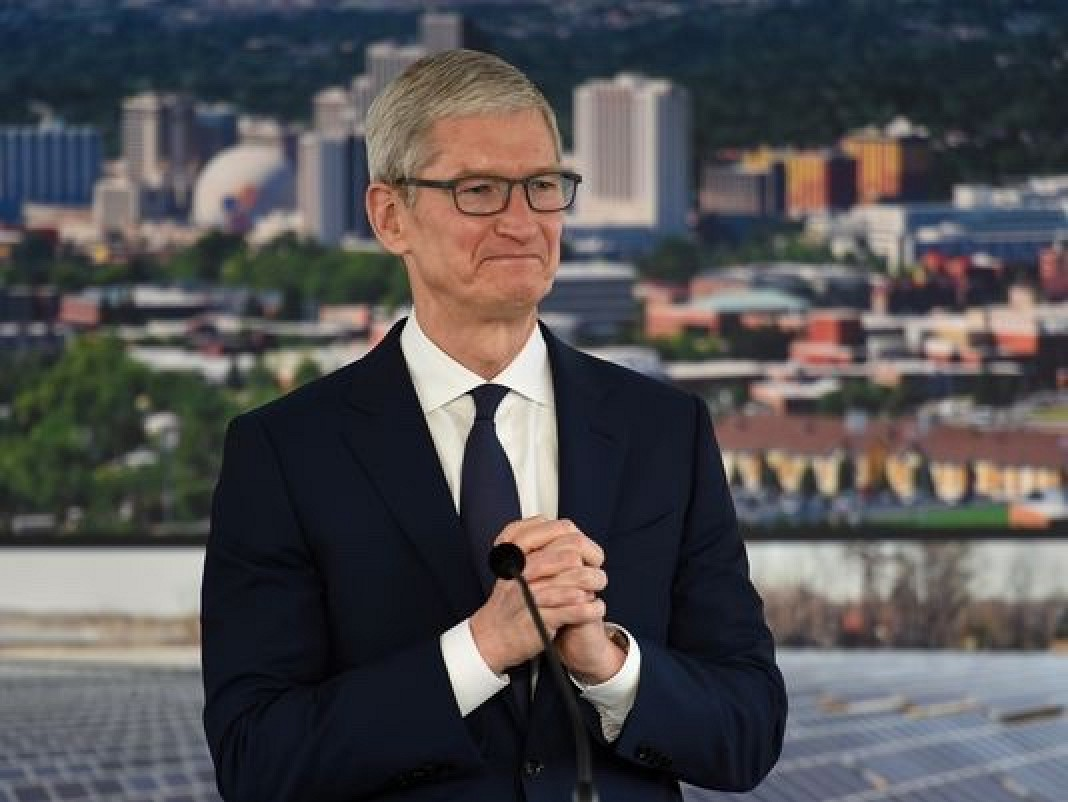 photo image Apple Celebrates Groundbreaking of New Reno Warehouse With Visit From Apple CEO Tim Cook