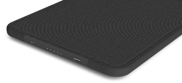 low priced 80f63 0ff4e CES 2018: Incase Announces New MacBook Pro Sleeve With USB-C Port ...