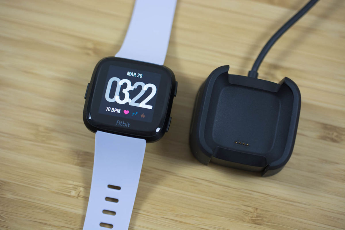 fitbit versa reviews solid smartwatch option at 200 unlikely to lure away apple watch owners. Black Bedroom Furniture Sets. Home Design Ideas