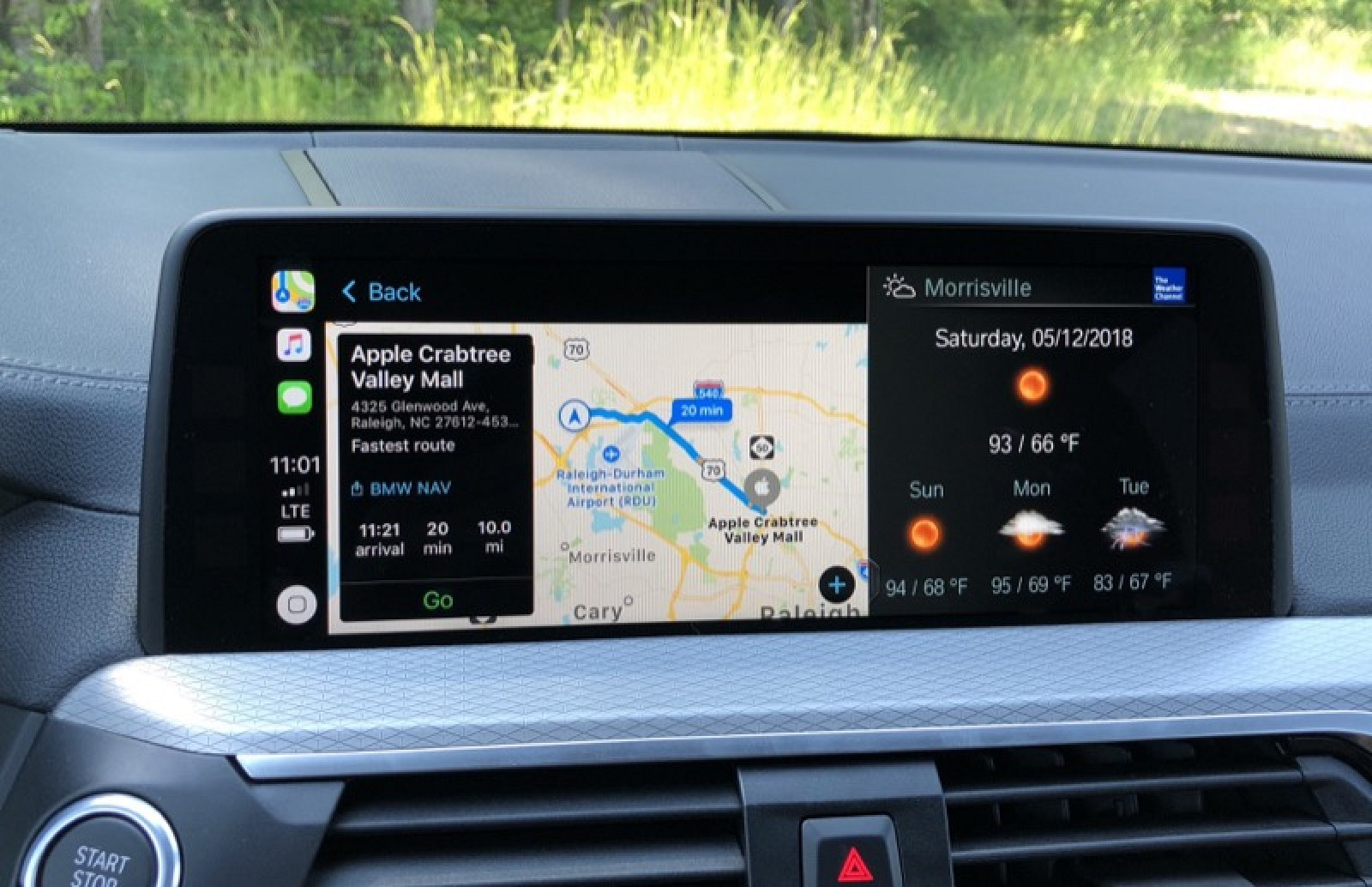 review bmw 39 s carplay and qi charging support offer a. Black Bedroom Furniture Sets. Home Design Ideas