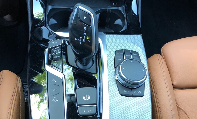 Review: BMW's CarPlay and Qi Charging Support Offer a