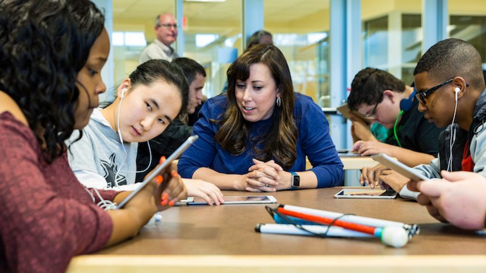 photo image Apple's Everyone Can Code Curriculum Expanding to Eight Schools Serving Blind and Deaf Students