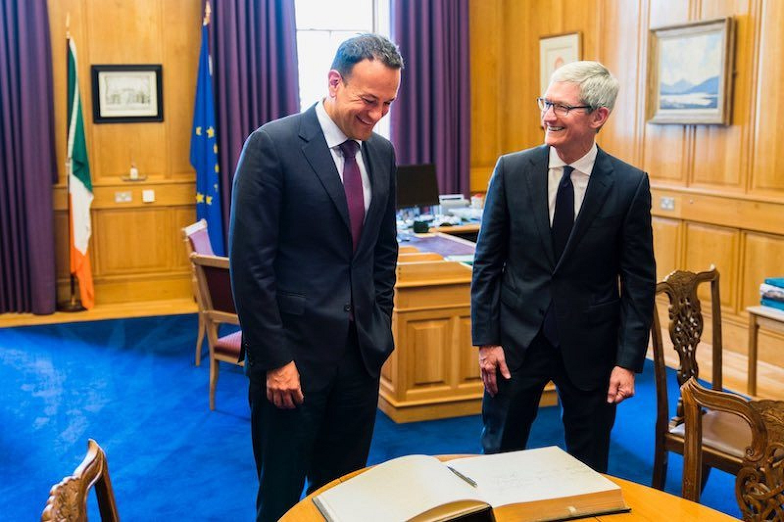 photo image Tim Cook Visits Ireland as Apple Promotes Its Job Creation in Europe