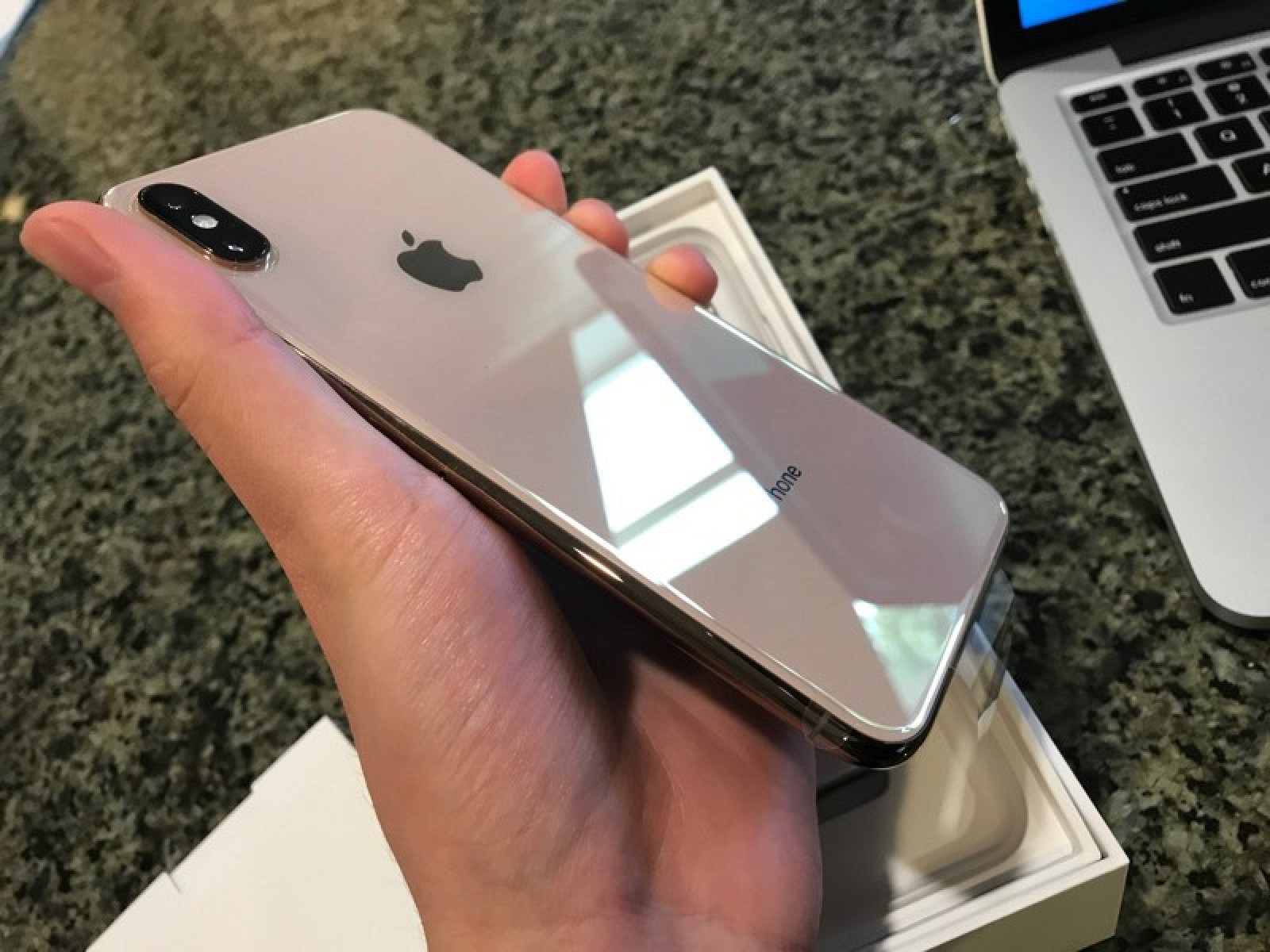 First Impressions From New iPhone XS and iPhone XS Max Users - MacRumors